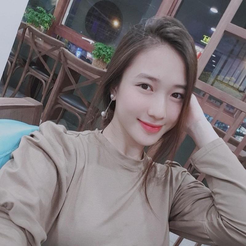 Dan gai xinh truong Bao: Khong A hau thi cung hot girl dinh dam