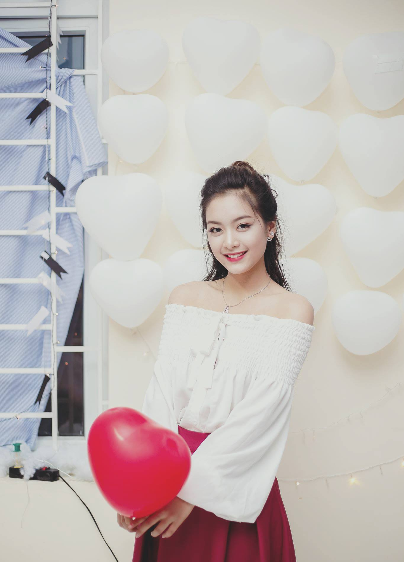 O troi Tay, dan du hoc sinh Viet van khien dan tinh dao dien-Hinh-3