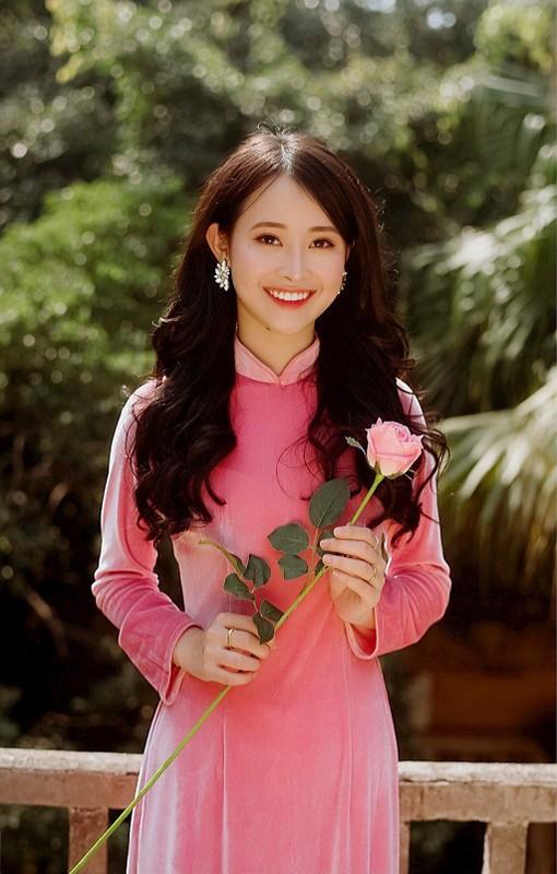 Cung ten Hang, dan hot girl Viet moi nguoi mot ve
