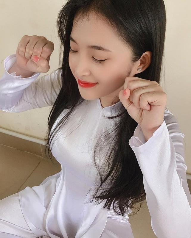Hot girl Viet 2K2 gay song gio cuon cuon tren bao Trung la ai?-Hinh-12
