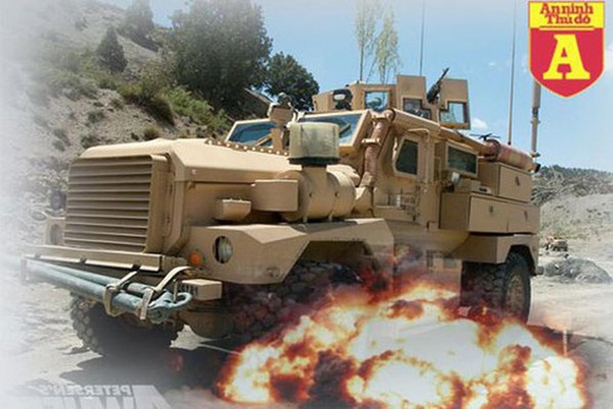 Xe boc thep My dam thang vao thiet giap BTR-80 Nga tai Syria-Hinh-18
