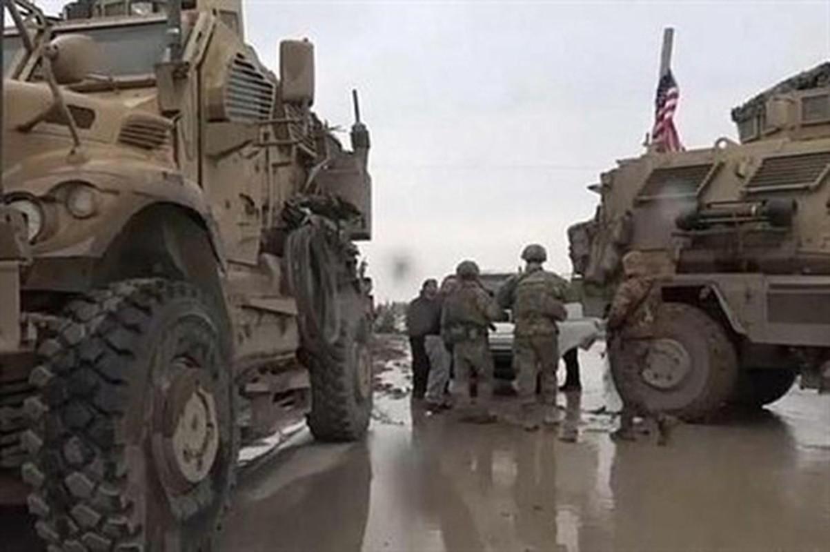 Xe boc thep My dam thang vao thiet giap BTR-80 Nga tai Syria-Hinh-19