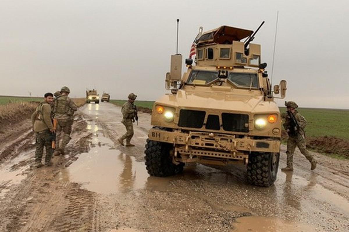 Xe boc thep My dam thang vao thiet giap BTR-80 Nga tai Syria-Hinh-2