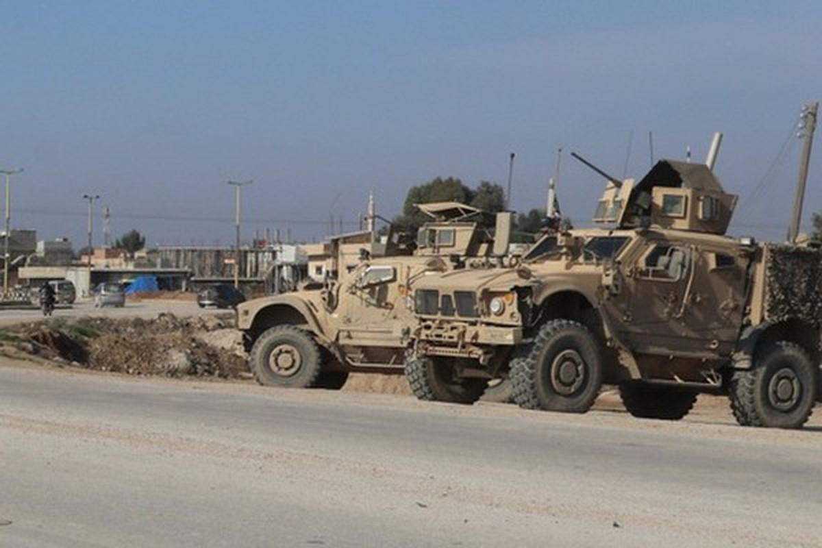 Xe boc thep My dam thang vao thiet giap BTR-80 Nga tai Syria-Hinh-3