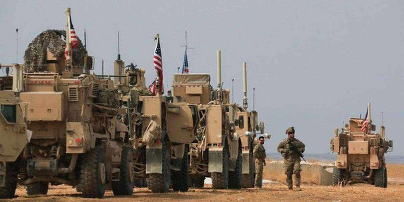 Xe boc thep My dam thang vao thiet giap BTR-80 Nga tai Syria-Hinh-4