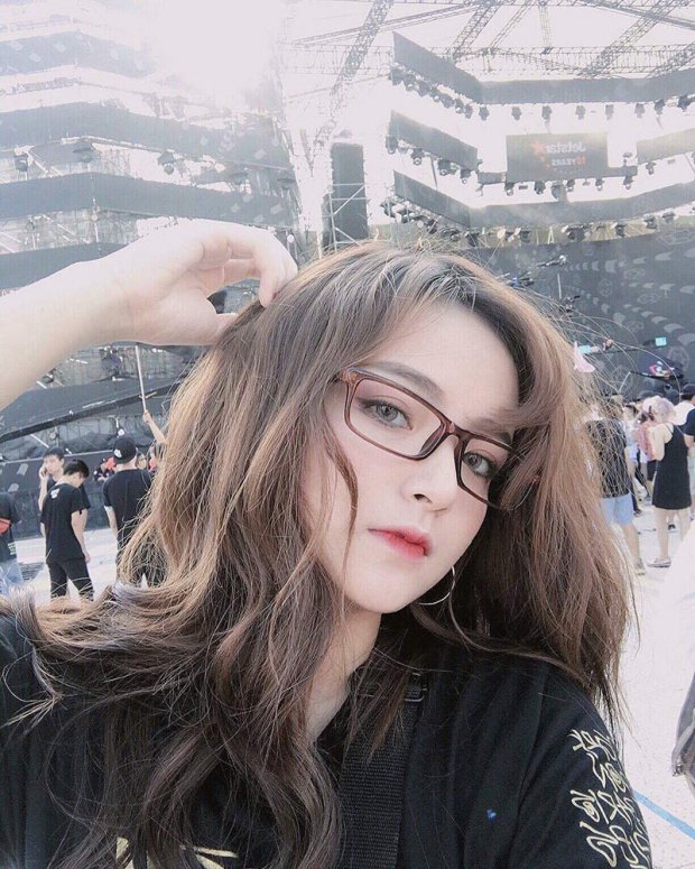Hot girl Viet tu nhan