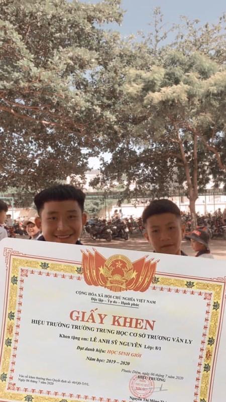 Hot trend giay khen sieu to ngay be giang khien dan tinh het hon-Hinh-7