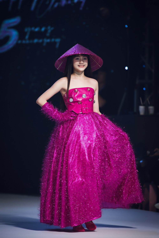 Phan Lam Ngoc Huyen nguoi mau nhi tai khong doi tuoi-Hinh-3