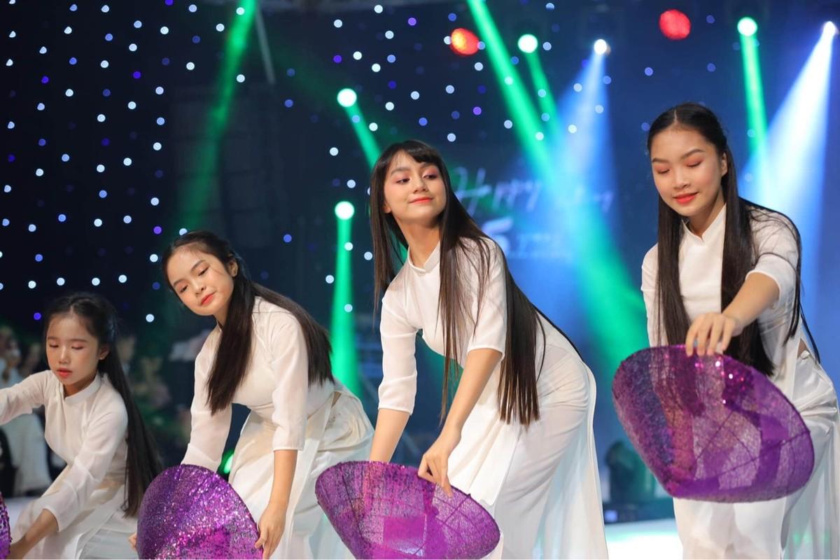 Phan Lam Ngoc Huyen nguoi mau nhi tai khong doi tuoi-Hinh-8