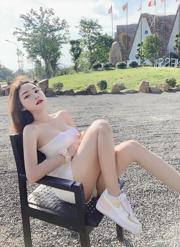 Hot girl Instagram khien CDM
