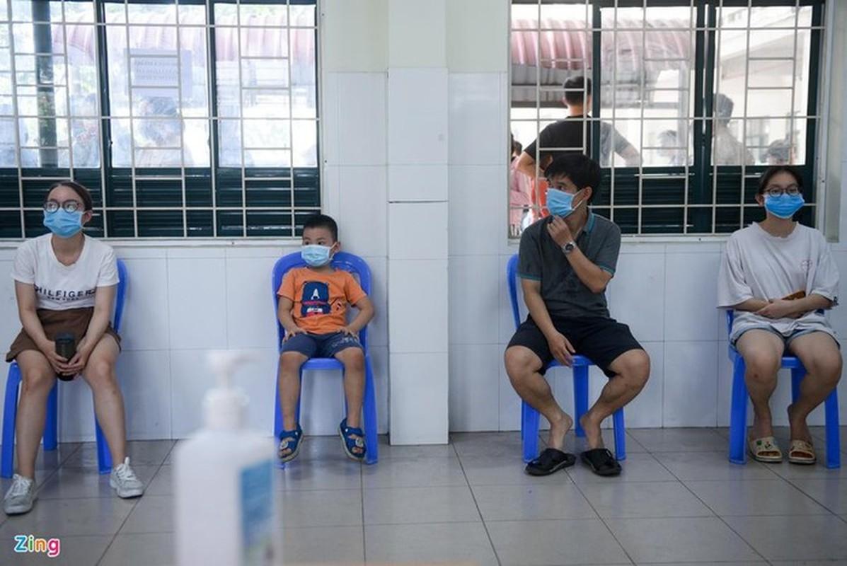 Ben trong khu xet nghiem Covid-19 nguoi tu Da Nang ve-Hinh-6