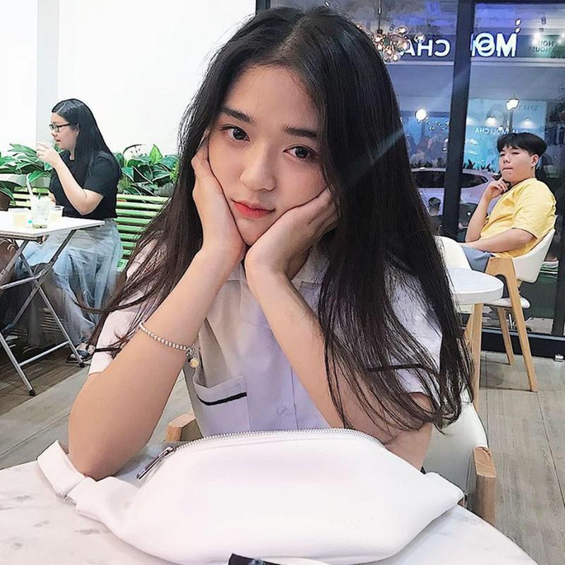 Hot girl Nguyen Khuyen cuoi suong suong ma CDM