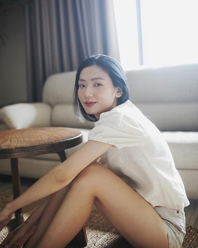 Gai Viet than thai tua minh tinh TVB gay sot mang vua qua la ai?-Hinh-11