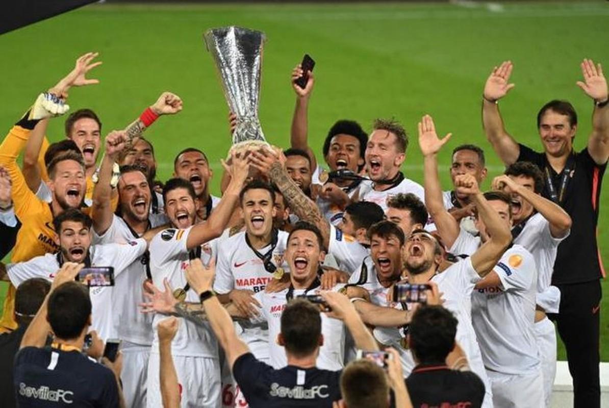 Dan sao cu cua Manchester United chet lang khi tuot chuc vo dich Europa League-Hinh-10
