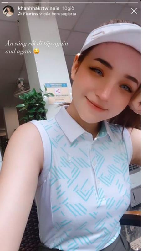 Khoe dang tai san golf, ban gai thieu gia Phan Hoang hut hon CDM
