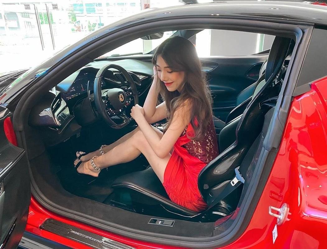 Hot girl lai voi dan sieu xe chang kem Minh Nhua la ai?-Hinh-6