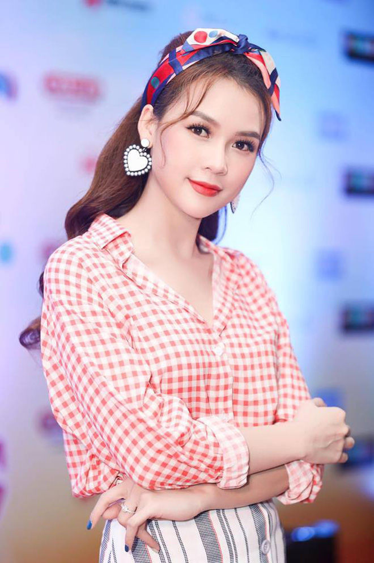 That Tich an dau do, dan hot girl Viet van chua the thoat e-Hinh-7