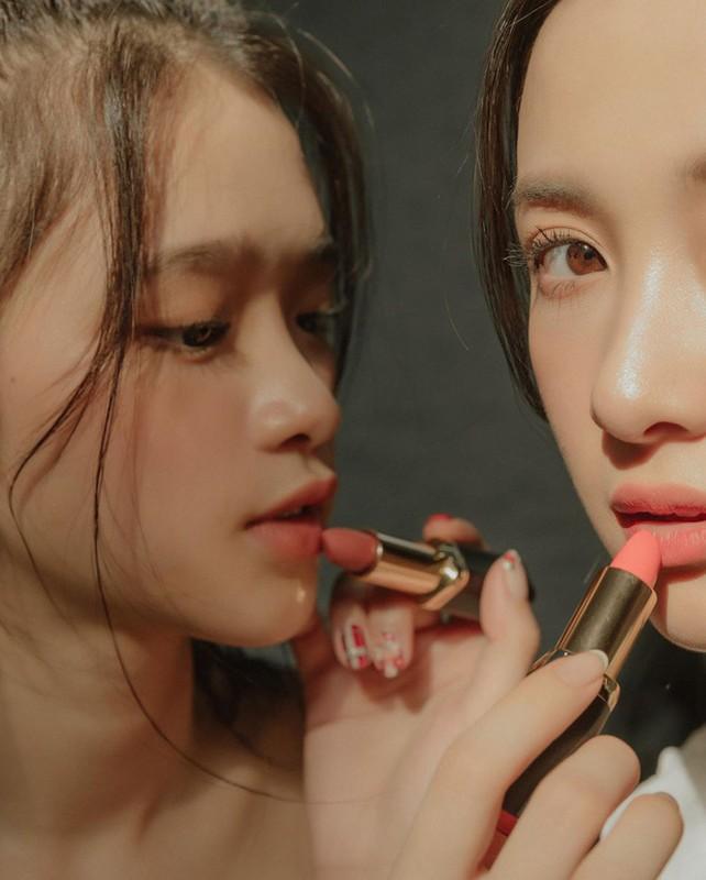 Dung chung khung hinh, Linh Ka va Jun Vu bi nham bang tuoi-Hinh-6