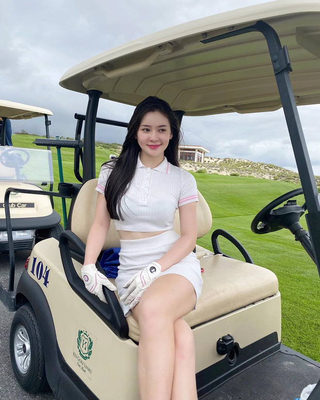 Khoe do hieu xua roi, hot girl Viet sang chanh phai di choi golf-Hinh-10