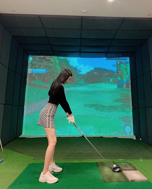 Khoe do hieu xua roi, hot girl Viet sang chanh phai di choi golf-Hinh-15