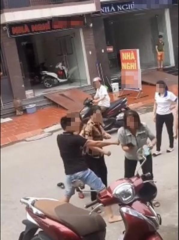 Loat danh ghen man ro khien dan tinh phai lac dau ngao ngan-Hinh-5