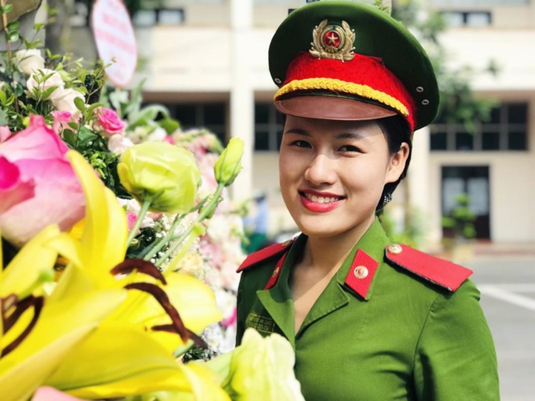 Nu thu khoa dau ra cua DH Phong chay Chua chay-Hinh-2