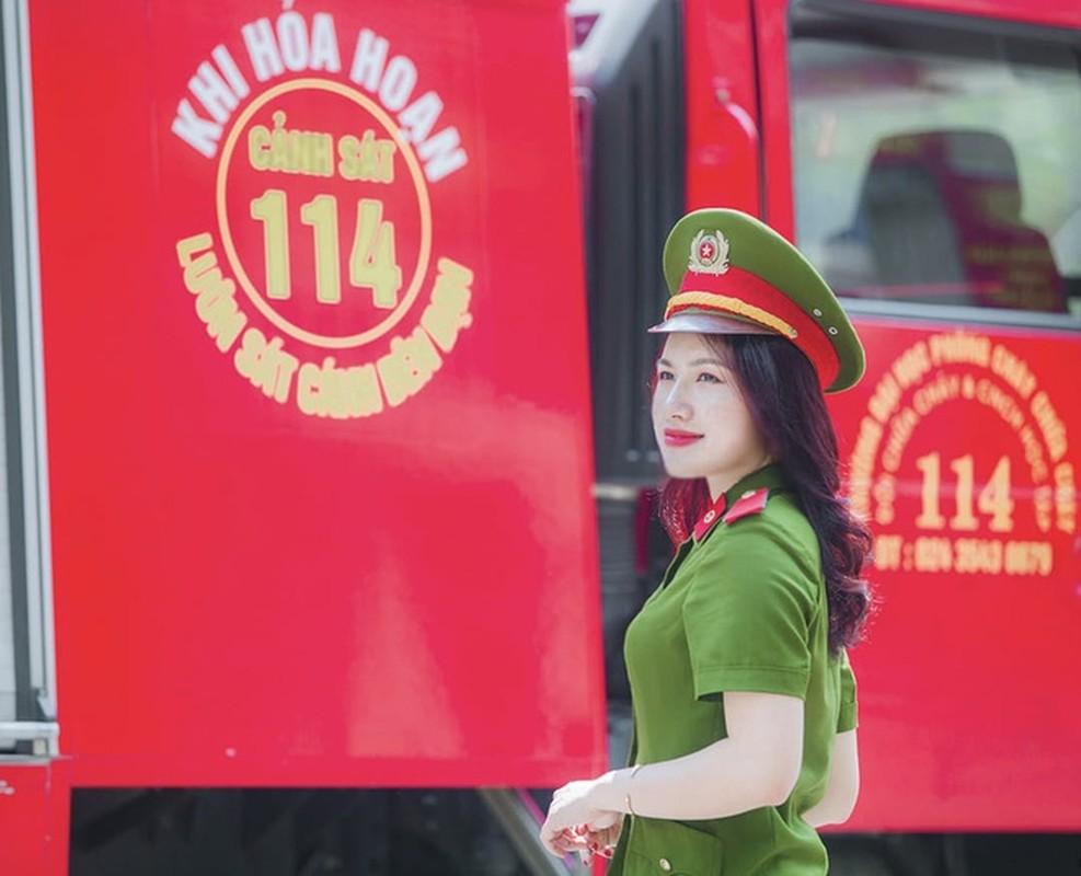Nu thu khoa dau ra cua DH Phong chay Chua chay