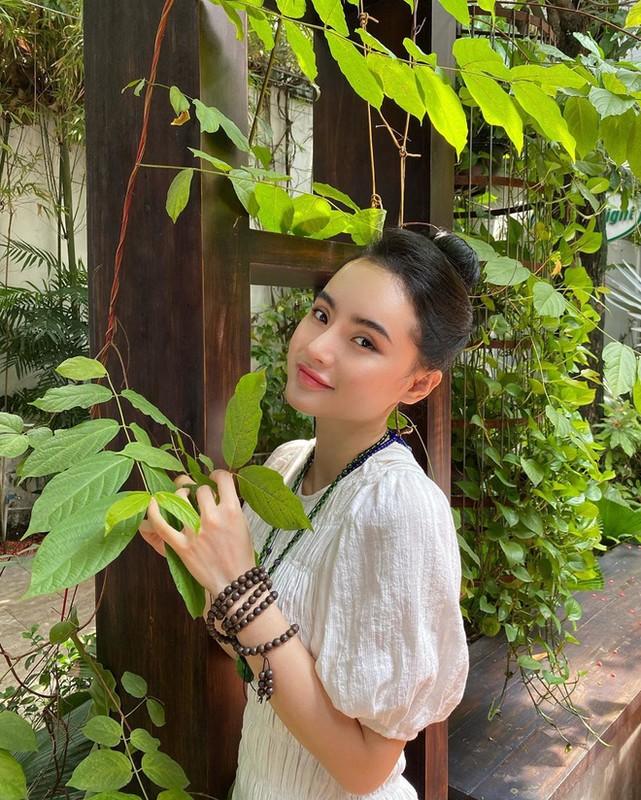 Dan mang soi nhan sac va khi chat cua em gai Angela Phuong Trinh-Hinh-2
