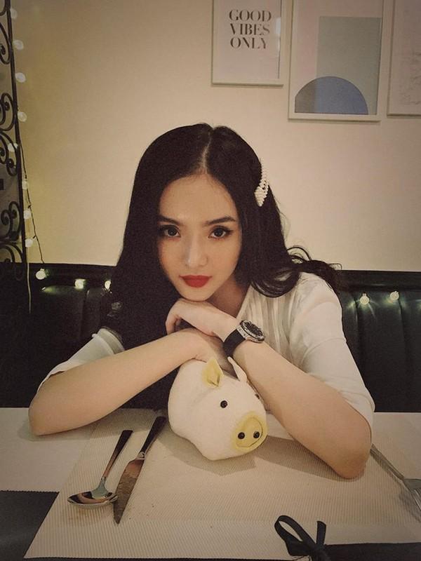 Dan mang soi nhan sac va khi chat cua em gai Angela Phuong Trinh-Hinh-6