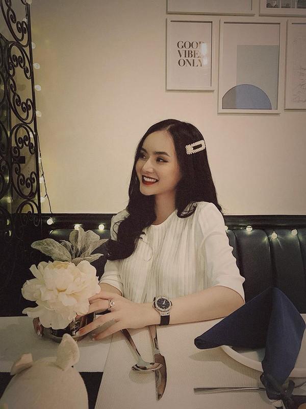 Dan mang soi nhan sac va khi chat cua em gai Angela Phuong Trinh-Hinh-7