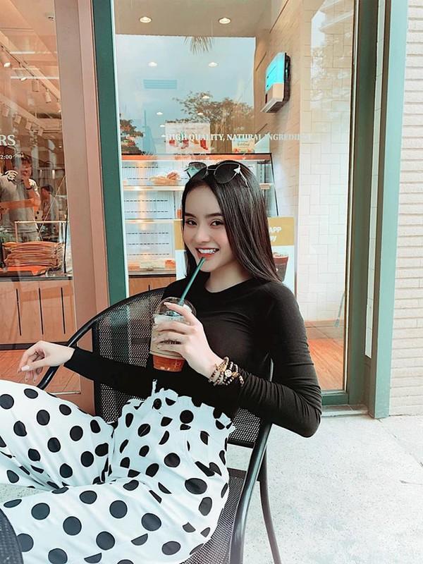 Dan mang soi nhan sac va khi chat cua em gai Angela Phuong Trinh-Hinh-8