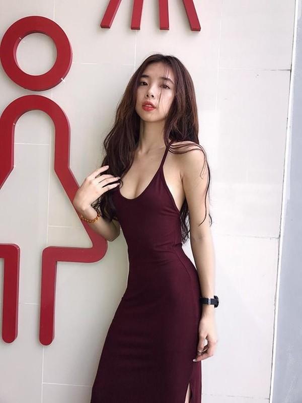 Khoe vong eo nho hon Ngoc Trinh, hot girl moi noi nhan trieu like-Hinh-9