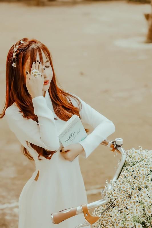 Vo hai Minh Nhua bat ngo hoi xuan nho loat anh nu sinh-Hinh-2