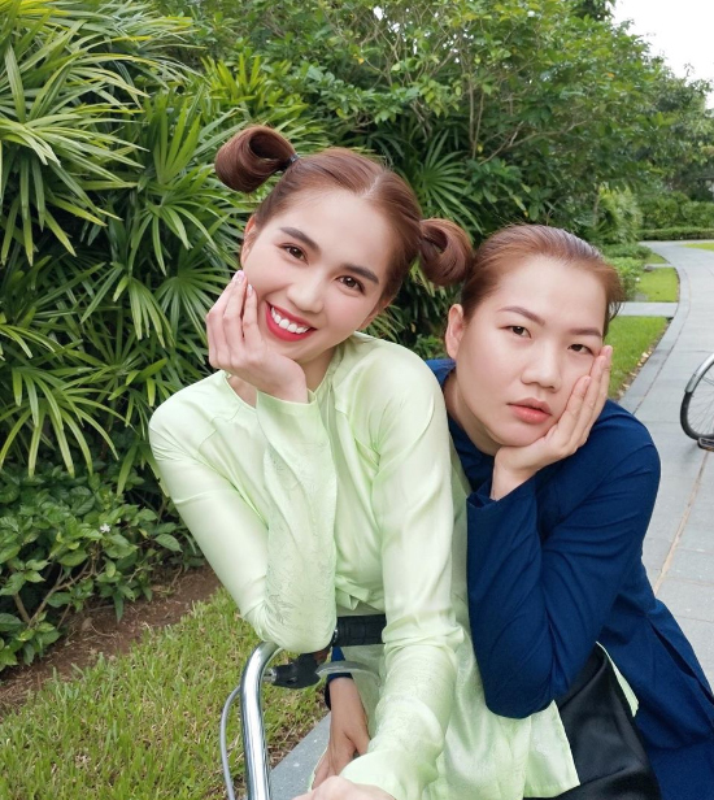 Tro ly Ngoc Trinh dang status cuc cang, dan tinh vao hoi tham-Hinh-11