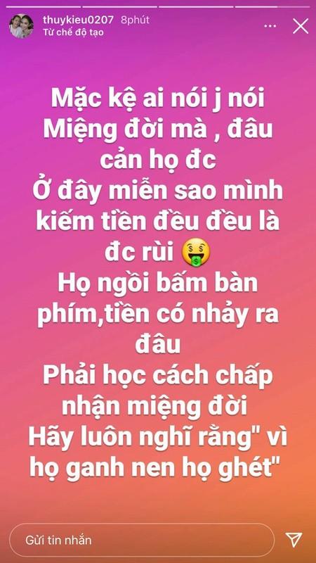 Tro ly Ngoc Trinh dang status cuc cang, dan tinh vao hoi tham-Hinh-2