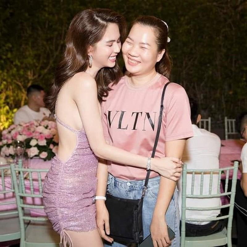 Tro ly Ngoc Trinh dang status cuc cang, dan tinh vao hoi tham-Hinh-9