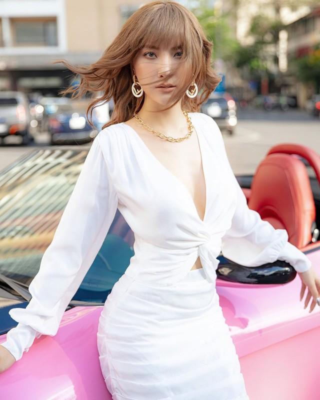 Hot girl doi dau chung minh dinh luat bao toan nhan sac ton tai-Hinh-8
