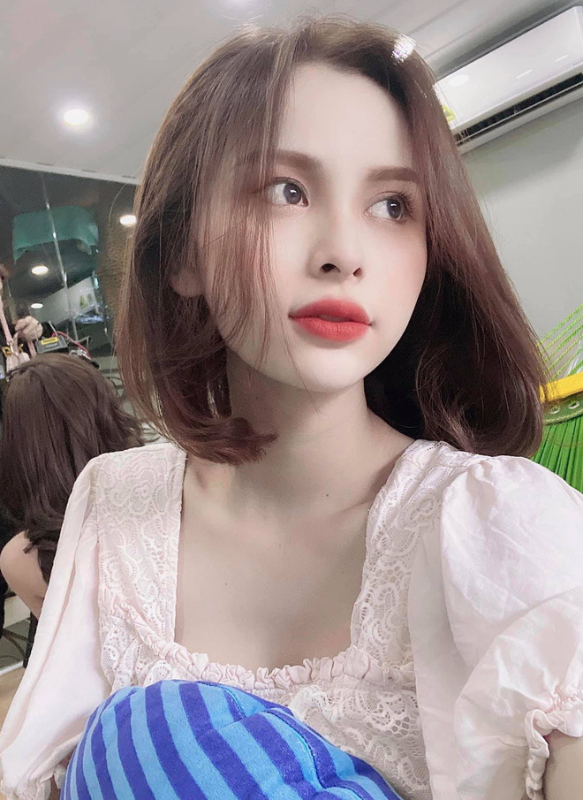 Chi hat toc, thi sinh Dai Su Hoan My khien van fan si me-Hinh-6