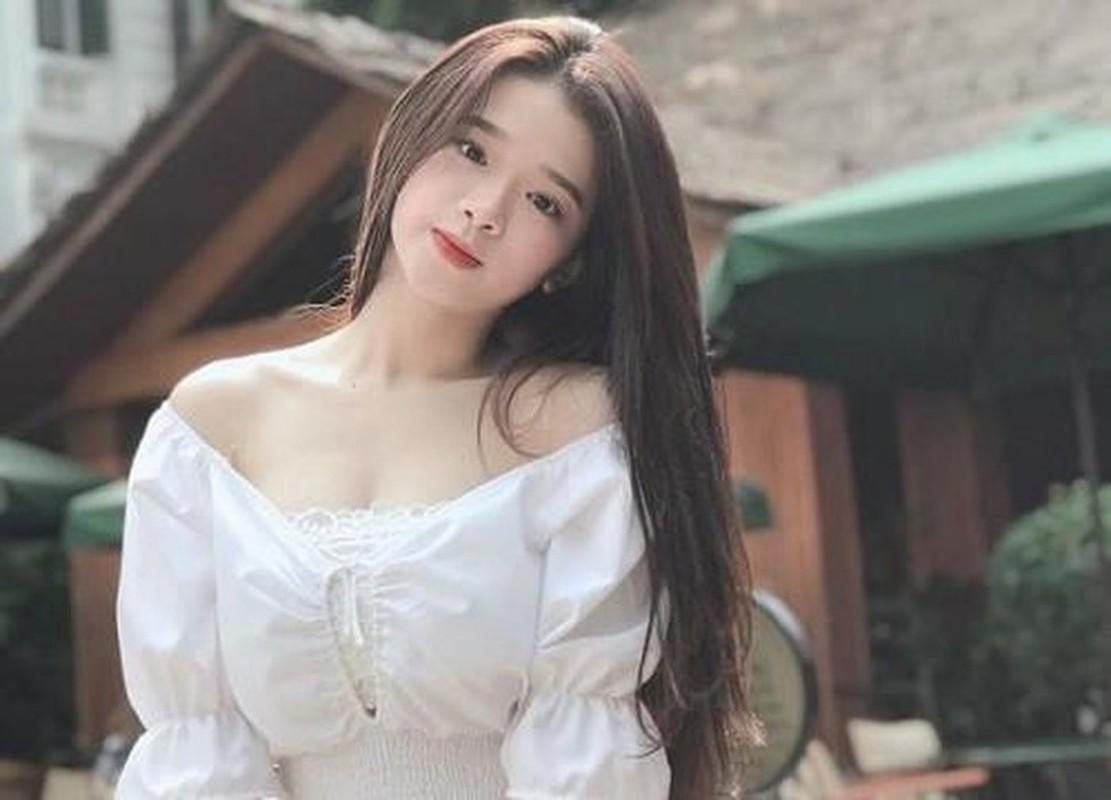 Dau nam moi, hot girl Linh Ka
