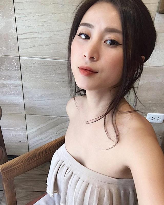 Cuu hot girl Ha thanh hoi tiec vi sua mot diem tren guong mat-Hinh-10