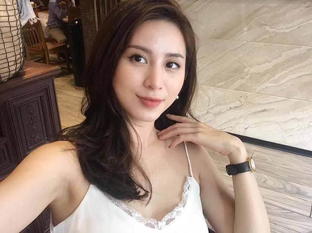 Cuu hot girl Ha thanh hoi tiec vi sua mot diem tren guong mat-Hinh-9