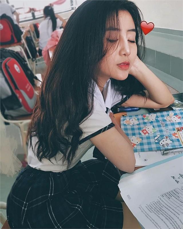 Hot girl Sai thanh lo vali di hoc quan su, dan tinh nga ngua-Hinh-8