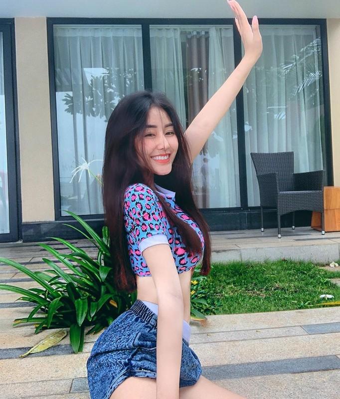 Hot girl Sai thanh lo vali di hoc quan su, dan tinh nga ngua-Hinh-9