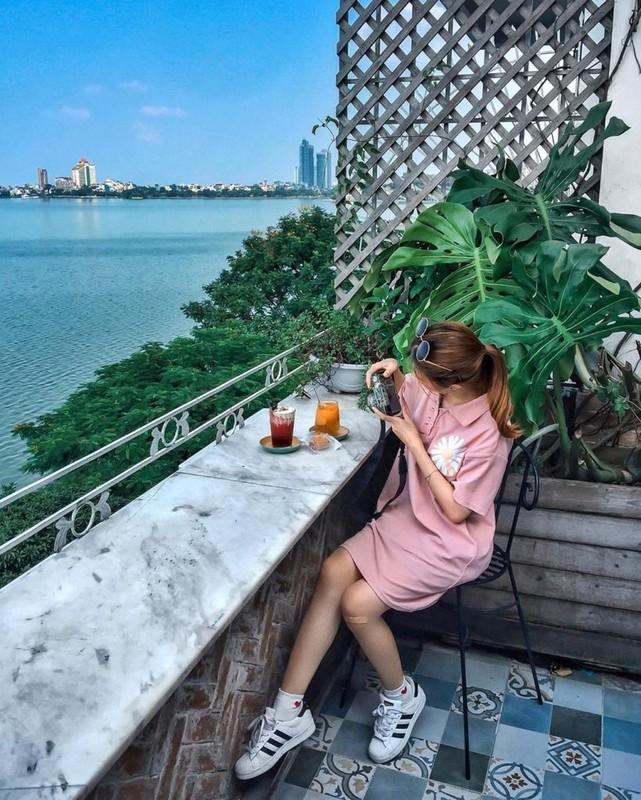 Soi loat quan cafe view dep tu tap dip Tet o Ha Noi-Hinh-9