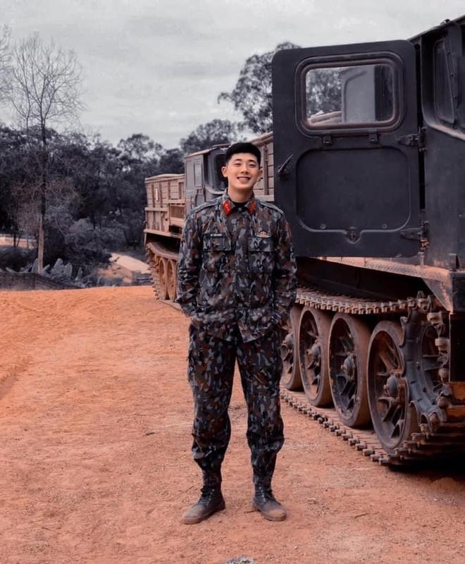 """Xuat hien """"soai ca quan nhan"""" gieo thuong nho cho hoi chi em-Hinh-2"""
