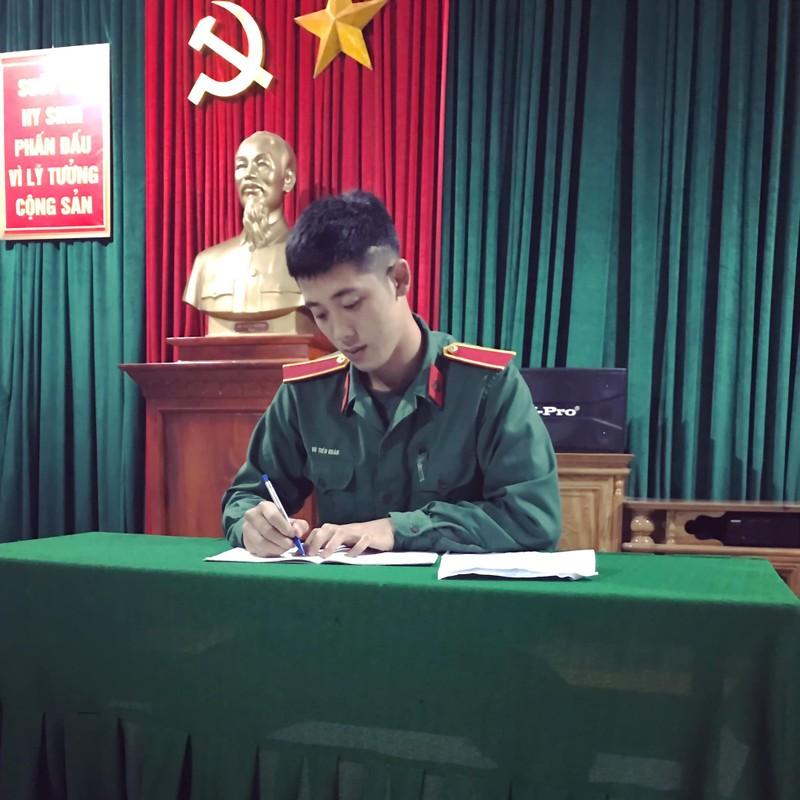 """Xuat hien """"soai ca quan nhan"""" gieo thuong nho cho hoi chi em-Hinh-8"""