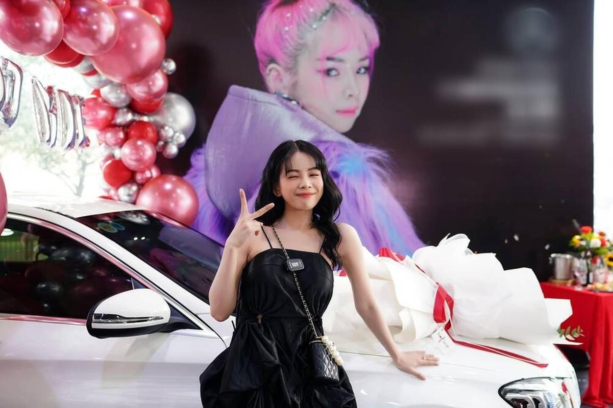 DJ Mie nam tay ban trai khoe xe khung, dap tan tin don chia tay-Hinh-5