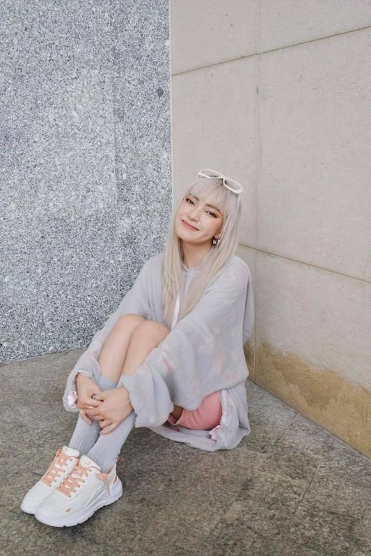 Nam 2021, hot girl Viet nao dan dau xu huong tren mang xa hoi?-Hinh-3