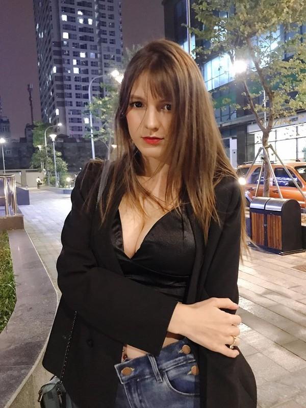 Nu DJ Ukraine lan dau chia se ve viec don Tet tai Viet Nam-Hinh-12