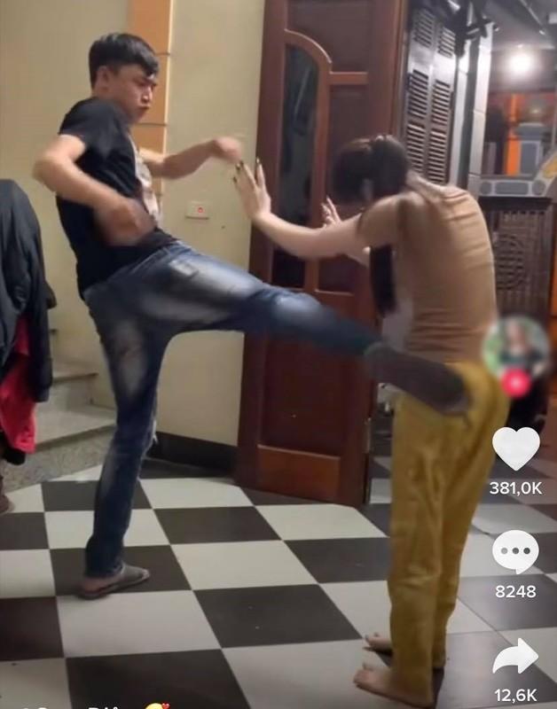 Cap vo chong tre gay chu y voi clip TikTok:
